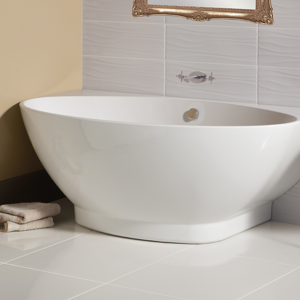 Arcus wall bath - 1675x 810mm